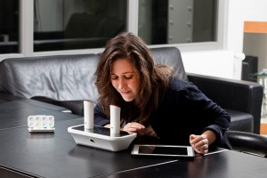 o-phone-smell-text-message-designboom03-300x200